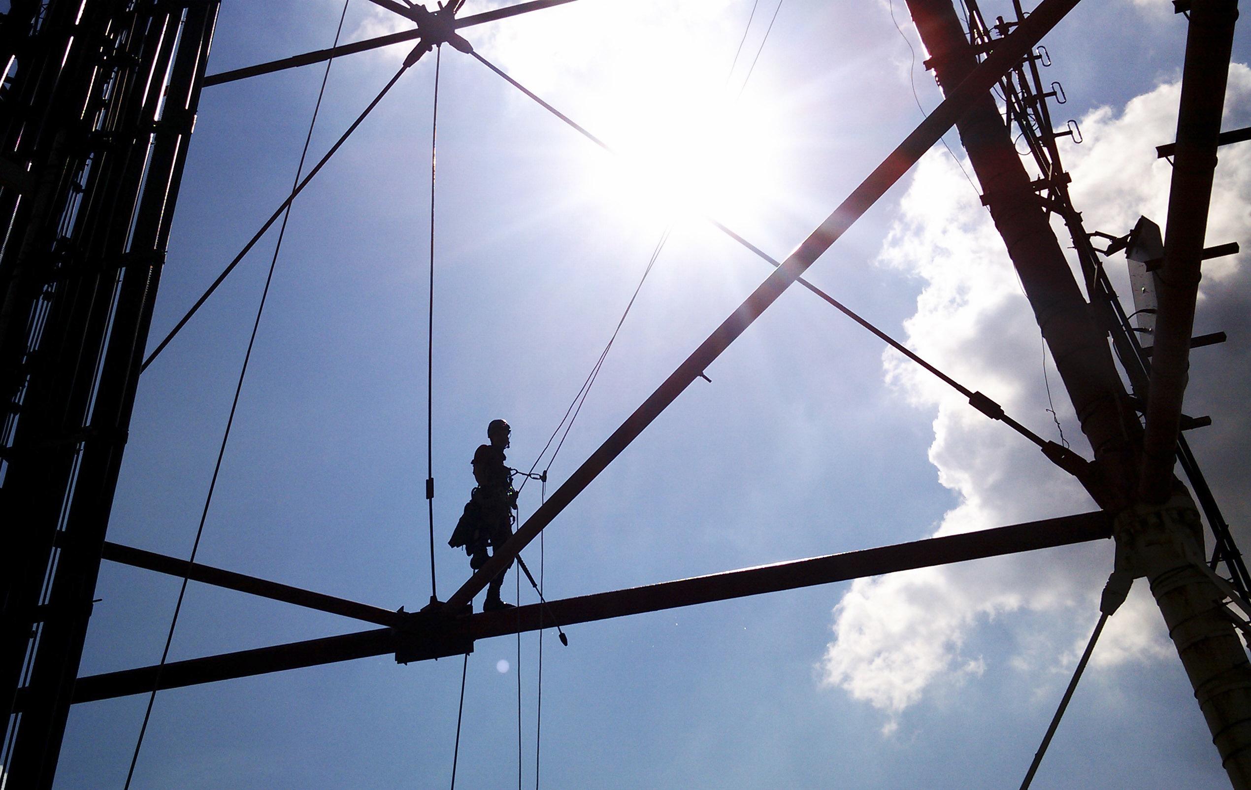 монтаж металлоконструкции промышленными альпинистами